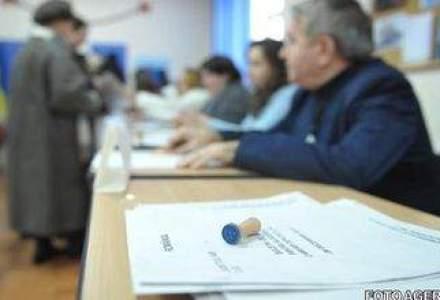 EUROPARLAMENTARE 2014: Cum s-au remarcat politicienii la sectiile de votare