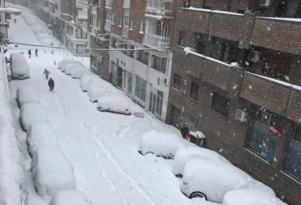 Spania trimite convoaie cu alimente și vaccin în zonele afectate de furtuna de zăpadă