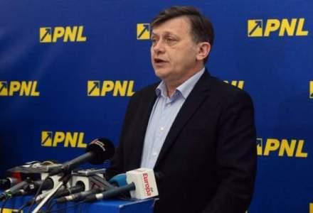 Liderii PNL discuta despre o demisie in bloc