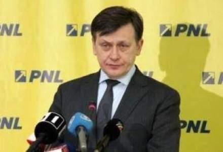 Crin Antonescu a demisionat. BPN al PNL asigura conducerea pana la Congres