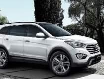 Hyundai Grand Santa Fe este...