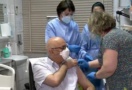 VIDEO | Raed Arafat s-a vaccinat anti-COVID-19