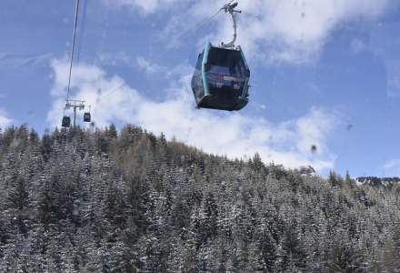 Gondola din Sinaia își suspendă activitatea marți, pentru câteva ore