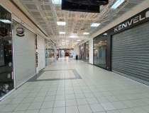 Declinul mall-ului Unirea:...