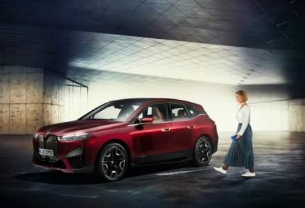 BMW anunţă funcţia BMW Digital Key Plus, care vine odată cu BMW iX