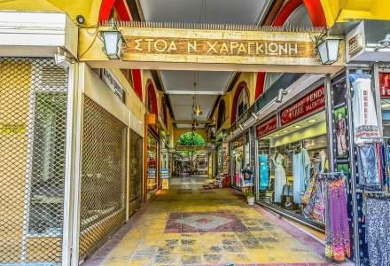 Grecia redeschide magazinele pentru prima dată după două luni