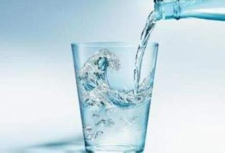 Circa 200.000 de litri de apa minerala, retrasi in doua zile de ANPC, in Bucuresti