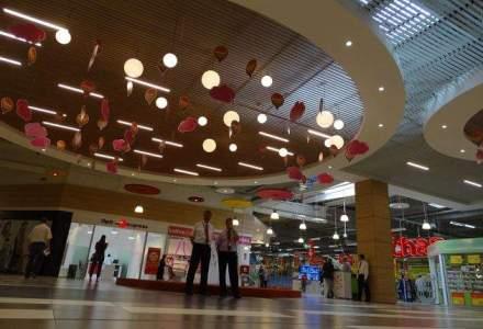 Auchan a investit 2 mil. euro in modernizarea centrului comercial din Titan: cum arata acum galeria comerciala din estul Capitalei