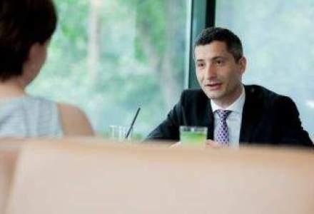 La pranz cu seful Avon, executivul care da tonul in vanzarea cosmeticelor: Online-ul este viitorul