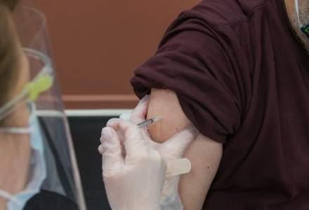 Marea Britanie cere un interval mai scurt pentru administrarea celor două doze de vaccin