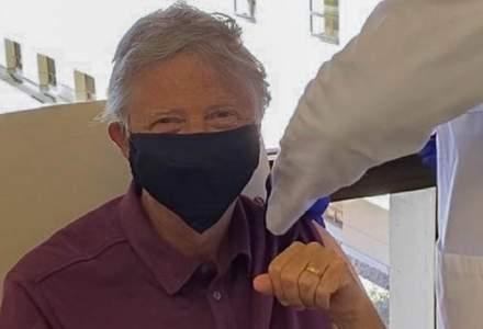 Bill Gates s-a vaccinat anti-COVID-19