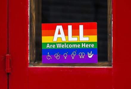 Joe Biden a anulat măsura care le interzicea persoanelor transgender să servească în armată