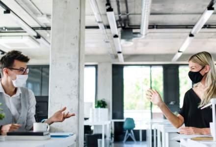 Sondaj: Peste jumătate dintre companii vor să își cheme angajații la birou în martie