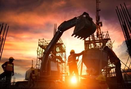 Un consilier USR propune amendarea constructorilor care poluează