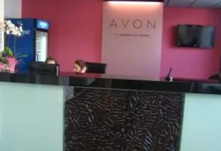 Avon si Oriflame, profituri in crestere in 2013 dupa scaderile din anul precedent