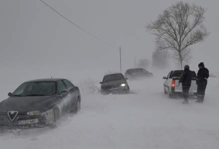 Tulcea închide traficul rutier din cauza zăpezilor