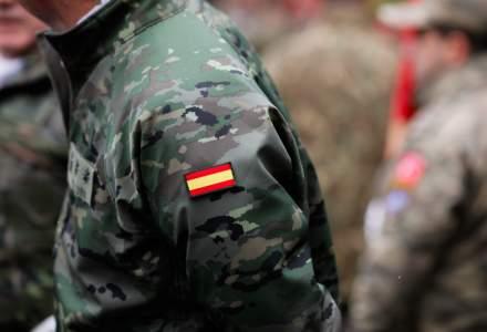 Ministerul Apărării din Spania, acuzat că încalcă protocolul NATO din cauză că trimite 130 de soldați nevaccinați în România