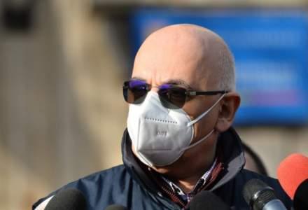 Raed Arafat: Au fost găsite trei persoane în salonul în care era incendiul. Restul sunt transportaţi la mai multe spitale