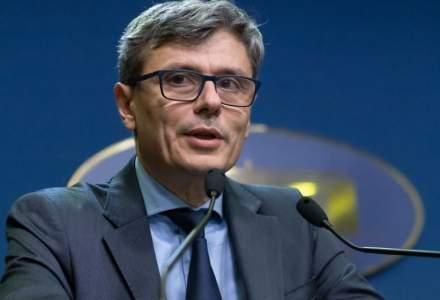 Virgil Popescu: Furnizorii de curent încarcă facturile cu consumuri estimate foarte mari