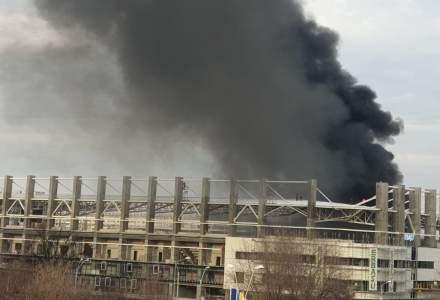 Incendiu puternic la stadionul Giulești