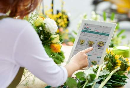 Sondaj: 77% dintre femei vor să primească flori de Valentine`s Day