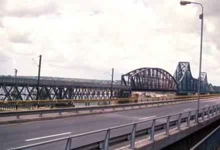"Taxa la podul Cernavoda, scoasa doar in cazul depasirii ""timpilor rezonabili"" de stationare"