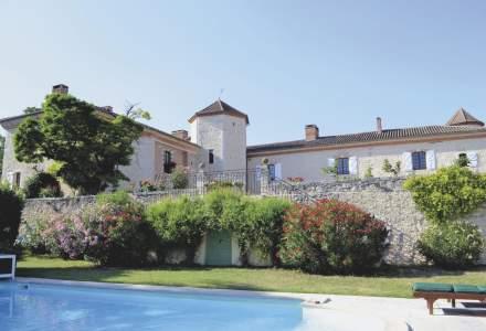 """Un """"chateau"""" construit în secolul al XVII-lea în sudul Franței a fost scos la vânzare pentru2,5milioane de euro"""
