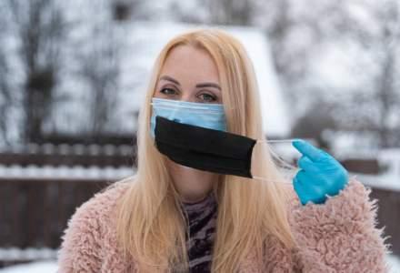 La finalul anului am putea scăpa de obligativitatea de a purta mască