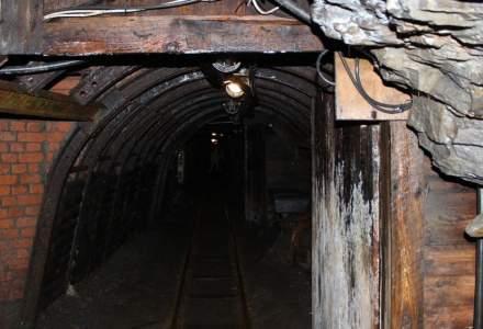 Minerii care au protestat în subteran au ieșit la suprafață