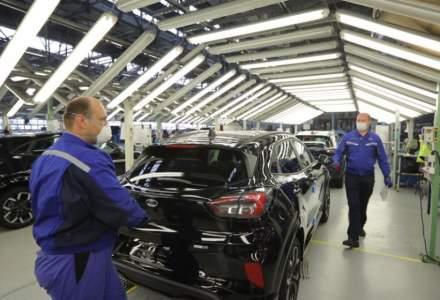Ford Craiova suspendă producția pentru 8 zile din lipsă de semiconductori