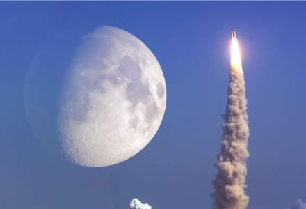 Un miliardar oferă călătorii gratis pe lună cu racheta lui Musk