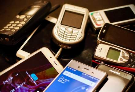STUDIU: Aproape 22 de milioane de telefoane mobile nefolosite stau închise în sertarele românilor. Cantitatea de deșeuri e de ordinul tonelor
