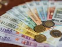 Euro ajunge la un nou maxim...