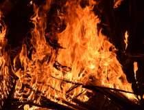 BREAKING NEWS | Incendiu la...