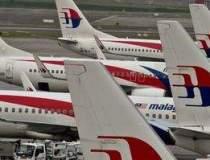Un avion de pasageri cu 295...