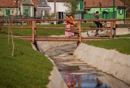 Numarul romanilor cu acces la sistemele de canalizare, in scadere. In mediul rural procentul e de 5%