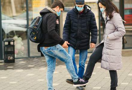 Ce au voie să facă oamenii care s-au vaccinat împotriva COVID