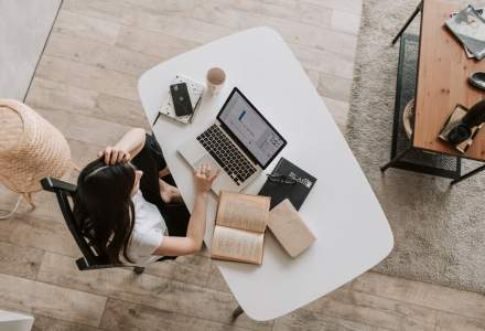 Cum poți avea o rutină ca cea de la birou, dar de acasă