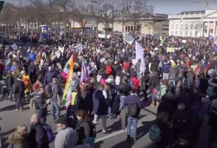Violențe în Germania în cadrul protestelor organizate împotriva restricțiilor