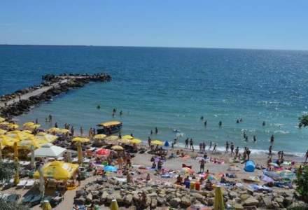 Cel mai aglomerat weekend de pe litoralul romanesc: aproximativ 95.000 de turisti