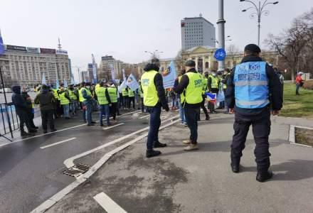 Protest al polițiștilor nemulțumiți că actuala coaliție de guvernare pregătește tăierea pensiilor militare