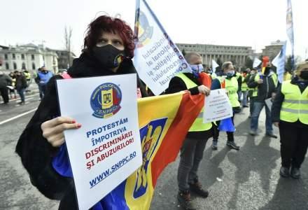 Jandarmii i-au amendat pe polițiștii care au protestat în Piața Victoriei