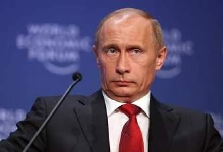 Rusii scandeaza mentinerea pacii in Ucraina: Putin trimite trupe armate pentru a pune capat varsarii de sange
