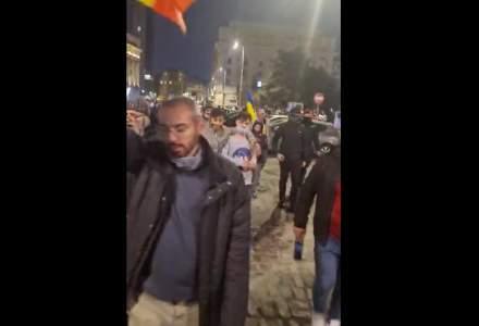 VIDEO Protestatarii din București se îndreaptă spre Palatul Cotroceni