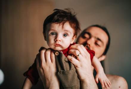 Concediu paternal în 2021, când se acordă și ce condiții trebuie să îndeplinească un tată