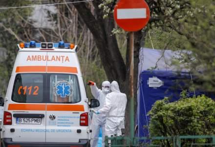 Al treilea val de pandemie în România: cozi de ambulanțe în curțile spitalelor