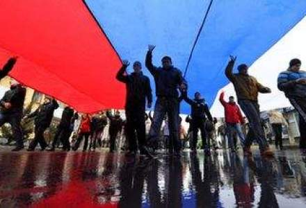 Rusia ar putea invoca pretexte pentru a invada estul Ucrainei, avertizeaza NATO