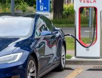 Tesla și-a doborât din nou...
