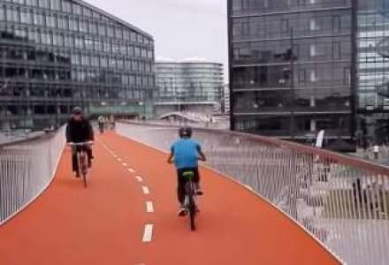Cea mai noua banda suspendata de biciclete din Copenhaga schimba regulile