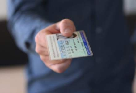 Cetățenii nu vor mai putea călători în străinătate fără buletin electronic